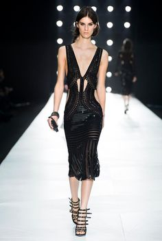 A sparkling dress paired with sexy strap sandals and a glamour clutch. From the Roberto Cavalli ♥
