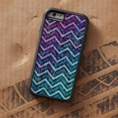 SOLD iPhone 6 Tough Xtreme Case Zig Zag Chevron Pattern! #Zazzle #iPhone6 #Case #grunge #zigzag #chevron #pattern #zig #zag   http://www.zazzle.com/el_caso_mas_del_iphone_6_zigzaguea_apenas_modelo_funda-256048214979752232?lang=es