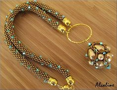 I Like the bigger flashier beads mixed in. Necklace Types, Lariat Necklace, Bead Crochet Rope, Handmade Beaded Jewelry, Beads And Wire, Bead Weaving, Fashion Necklace, Jewelery, Beaded Bracelets