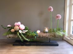 Home Gallery Ideas] . Ikebana Arrangements, Ikebana Flower Arrangement, Contemporary Flower Arrangements, Unique Flower Arrangements, Unique Flowers, Fleur Design, Container Flowers, Arte Floral, Deco Table