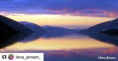 Snart kan vi senke skuldrene. #helg #reiseblogger #reiseliv #reisetips #reiseråd  #Repost @lena_jensen_ (@get_repost)  Sunset in the fjords of Norway