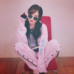 松井珠理奈さんはInstagramを利用しています:「やんちゃなセットアップ💗 ピンク😉 #ピンク #セットアップ #サングラス #martyscurll #sunglasses」