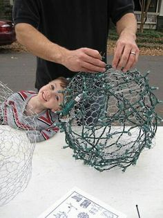How to Make those GREAT big Light Balls you see in trees during Christmas! Charlotte,NC – SavorNC Magazine How to Make those GREAT big Light Balls you see in trees… Noel Christmas, All Things Christmas, Winter Christmas, Xmas, Christmas Balls, Christmas Fireplace, Fall Winter, Holiday Crafts, Holiday Fun