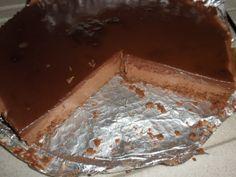 Čokoládový nepečený cheesecake (fotorecept) - obrázok 11 Cheesecake, Russian Recipes, Sheet Pan, Ale, Tray, Food And Drink, Pudding, Sweets, Pastries