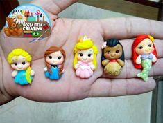 Polymer Clay Dolls, Polymer Clay Crafts, Anna Frozen, Disney Word, Aurora Disney, Clay Center, Pasta Flexible, Princesas Disney, Biscuits