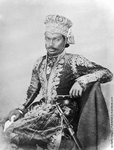 Sir Drigbijai Singh, Maharajah of Balrampur, 1858. The Maharajah was one of the Indian princes to remain loyal to the British during the Indian Rebellion (also known as the Indian Mutiny) of 1857. (Photo by Felice Beato/Hulton Archive/Getty Images)