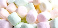 A lovely sweet and sticky creamy marshmallow fragrance. Not suitable for use in candles or aroma beads. Pink Marshmallows, Homemade Marshmallows, Tout Rose, Aroma Beads, Halloween Sweets, Chocolate Sweets, Valentines Day Treats, Food Lists, Puddings