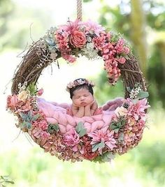 Don't miss to take photos of precious moments of your newborn baby girl. Because they grow up so fast. Here are Cute Newborn Photos for Baby Girl Ideas for you. Monthly Baby Photos, Baby Girl Photos, Baby Poses, Newborn Poses, Newborn Pictures, Baby Pictures, Baby Girl Photography, Photography Ideas, Baby Swimsuit