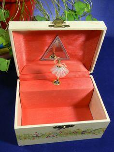 Ballerina jewelry box from LillysLuckyPenny