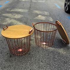 www.potsdam.es C/Santa Marta 6 Pamplona.  Mesas auxiliares metalicas color cobre con tapa de madera para guardar mantas revistas etc