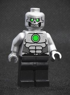 HeroBloks is an ambitious project aimed at cataloging every LEGO, compatible, bootleg and custom pop culture minifigure. Bane Batman, Superman, Lego People, Lego System, Dungeon Maps, Lego Figures, Lego Dc, Cool Lego, Metallica