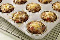 Cheesy Salsa-Mini Meatloaves -- Meatloaf, meet tacos: In this recipe, the classic ground beef dinner favorite combines with tomato salsa and melty cheese. One of these minis has your name on it. With turkey? Meatloaf Muffins, Muffin Tin Meatloaf, Muffin Tin Recipes, Dinner With Ground Beef, Good Food, Yummy Food, Kraft Recipes, Kraft Foods, Beef Dishes