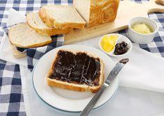 Make room for the pavlova: 29 foods you shouldn't keep in the fridge Pavlova, Tim Tam, Fish And Chips, Vegemite Recipes, Brunch, Outdoor Food, Marmite, Australia, Food N