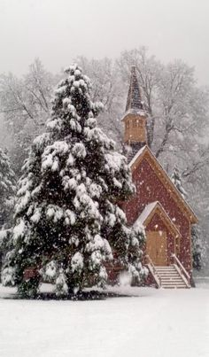 Yosemite Chapel In Late Winter Winter Szenen, Winter Magic, Winter Christmas, Country Christmas, Christmas Morning, Christmas Time, Christmas Cards, Old Country Churches, Old Churches