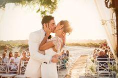 Os casamentos na praia são umas das opções preferidas pelos noivos que querem fugir das cerimônias tradicionais. Veja tudo o que precisa saber para realizar o seu.