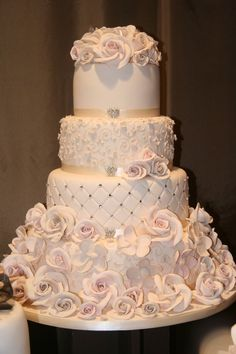 beautiful cake. Dusty pink so sweet