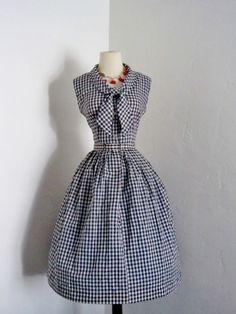 Gingham + collar. vintage 1950's Carol Co rockabilly gingham full skirt pin up dress