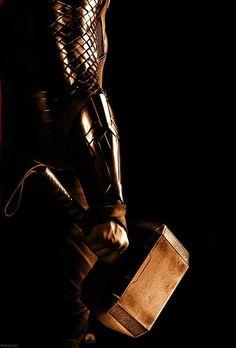 Thor and his hammer Marvel Comics, Marvel Films, Marvel Heroes, Marvel Characters, Marvel Avengers, Chris Hemsworth Thor, The Mighty Thor, Avengers Wallpaper, Loki Thor