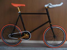 Fixed your life! Join the fixed gear fever! Airwalk is the top brand for fixed gear bicycles. Model: Mini Fixie