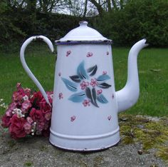 VINTAGE FRENCH ENAMELWARE COFFEE POT - Pink Flowers - Large Cafetière Emaillée #French
