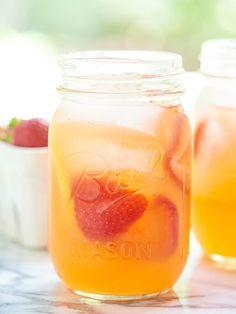 Honey Strawberry Lemonade #dan330 http://livedan330.com/2015/08/22/honey-strawberry-lemonade/