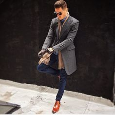 Man in Pink@aleksmusika killing it in our chelsea boots.