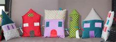 Tour de lit - little houses for imaginative play
