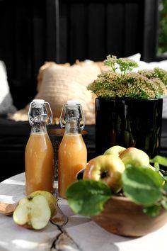 APPLE AND GINGER JUICE Ginger Juice, Pink Lady, Frisk, Chips, Apple, Snacks, Alcohol, Apple Fruit, Appetizers