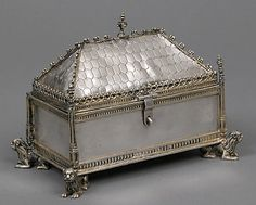 #Medieval Box -- 15th Century -- French -- Silver -- Metropolitan Museum of Art