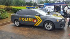 Indonesian police patrol car - Police cars by country - Wikimedia Commons Police Patrol, Police Cars, Police Vehicles, Police Uniforms, Emergency Vehicles, Law Enforcement, Armed Forces, Cops, Cars Motorcycles
