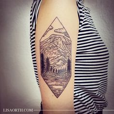 Got to do this cool Mount Rainier piece for Hannah, who is also a former Pacific Northwesterner now living in LA, so nice to get to meet ya! Done at Incognito Tattoo Los Angeles. Artwork and photo © 2015 Lisa Orth.