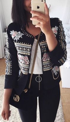 fashion trends | embroidered blazer + white top + bag + black skinny jeans