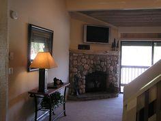 $1497 Mammoth 2BR+Enclosed Loft, 2BA, Pet Friendly  Walk to Eagle Express Chair Lift, Summit Condo,