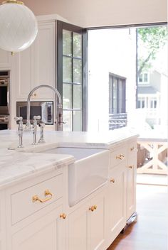 Merveilleux Interior Design Ideas   Brass Kitchen Hardware   Dream Homes