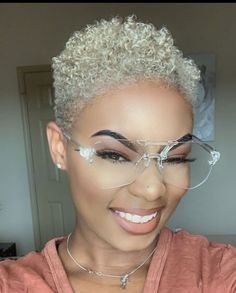 Afro Blonde, Blonde Natural Hair, Blonde Hair Black Girls, Natural Hair Short Cuts, Tapered Natural Hair, Platinum Blonde Hair, Short Hair Cuts, Natural Hair Styles, Twa Hairstyles