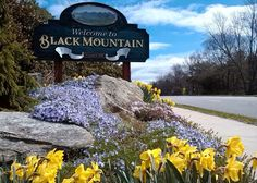 Black Mountain, situated in Buncombe County, is a small town made up of square miles. Black Mountain North Carolina, Black Mountain Nc, Western North Carolina, North Carolina Mountains, North Carolina Homes, South Carolina, Mountain Range, Camping Photography, Scenic Photography