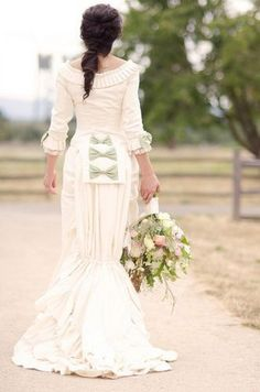 Emilia and Ryan took their vintage wedding to the next level with their Victorian mansion venue and the bride's authentic reproduction Victorian gown. Victorian Gown, Victorian Costume, Victorian Fashion, Edwardian Dress, Gothic Fashion, Bridal Gowns, Wedding Gowns, Wedding Bride, Wedding Flowers