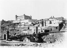 Toledo, Puente de Alcántara y Alcázar.