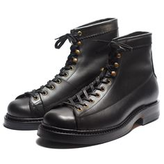 "<p class=""m_1804643586430999199gmail-MsoNormal"">CORDMASTER, a lace-to-toe boots like our signature Valiant but with a different side pattern, resulting a pattern widely known as ""monkey boots"". This kind of pattern used for power, telephone, cable utility worker in the past.</p> <p class=""m_1804643586430999199gmail-MsoNormal"">There's also special detail lies on the inner side called Leather Side Flap, specified details made to enhance the d..."