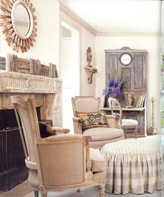 Focus on the clock/secretary hybrid in Shannon Newsom's home, owner of Wisteria.com and daughter-in-law of Veranda editor, Linda Newsom. Oh, and if that wasn't illustrious enough, her mom is famed Houston designer, Jane Moore. What a bloodline those kid's will have!