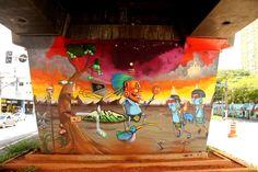 O MAAU (Museu Aberto de Arte Urbana) nasce para expor a aceitação do graffiti como uma arte que já faz parte da cidade. O projeto inédito, idealizado pelos artistas urbanos Chivitz e Binho, deu vida a uma verdadeira galeria de arte pública presente na Av. Cruzeiro do Sul, Zona Norte de São Paulo.    São 66 painéis criados por mais de 50 artistas. Vale a pena conferir de perto, enquanto isso, aprecie Cranio!