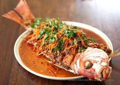 Crisp Fried Whole Snapper with Chilli and Coriander Sauce recipe Thai Sauce, Fish Sauce, Sweet And Sour Fish Recipe, Fried Red Snapper, Sauce Recipes, Fish Recipes, Seafood Recipes, Grouper Recipes, Grouper Fish