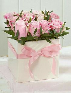 Pretty Flowers, Fresh Flowers, Pink Flowers, Flower Box Gift, Flower Boxes, Deco Floral, Arte Floral, Frühling Wallpaper, Rosen Box