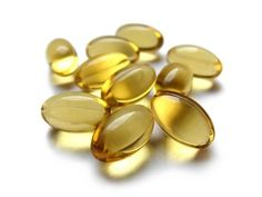 7 ways to use Vitamin E oil. I've used vitamin E on my face for years and I love what it does for my skin. I'm going to try the hair tip and see how that works! Oh, and my cuticles…of course! Natural Eye Cream, Natural Eyes, Homemade Deodorant, Homemade Skin Care, Skin Serum, Moisturizer For Dry Skin, Vitamine E Oil, Home Remedies For Wrinkles, Benefits Of Vitamin E
