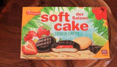 Soft Cake Erdbeer-Limette von GRIESSON – Soft Cake der Saison Cereal, Box, Chocolates, Advertising, Products, Food And Drinks, Ideas, Snare Drum, Boxes
