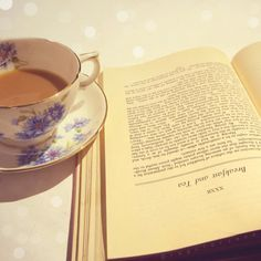 Tea and books ♥