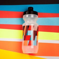 Pimp my bottle. Bike Water Bottle, Water Bottle Design, Water Bottles, Bike Run, Road Bike, Bike Gadgets, Cycling News, Bicycle Accessories, Cycling Jerseys
