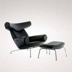 Fine Mod Imports Hans Wegner Ox Chair and Ottoman Black Leather Ox Chair, Chair And Ottoman, Chair Design, Furniture Design, Sofa Lounge, Danish Furniture, Smart Furniture, Outdoor Furniture, Hans Wegner