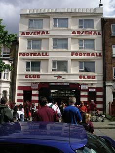 Highbury - West Upper Entrance - Aug 2005