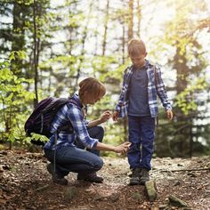 We're already dreading having to deal with pesky mosquitoes and unwanted bugs this summer. Tea tree oil and essential oils are a natural alternative to bug sprays that you need to try this summer. Bug Spray For Kids, Types Of Ticks, Houston, Natural Bug Spray, Tick Bite, Lyme Disease, Insect Repellent, Sprays, Shampoo